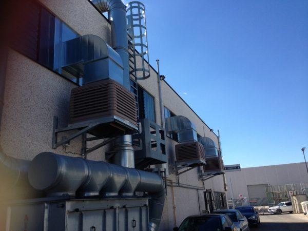 Serie di raffrescatori evaporativi per torneria automatica