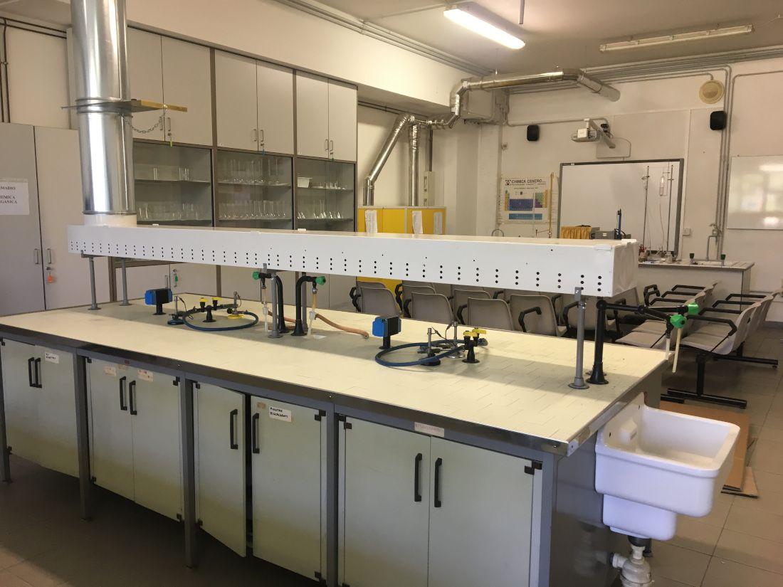 aspirazione odori laboratorio